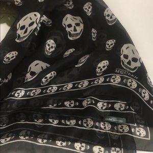 Alexander McQueen silk in black